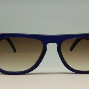 Cutler And Gross Modelo 0822-2 navy blue de frente